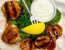 Grilled Sea Scallops at Mad Crabber Restaurant