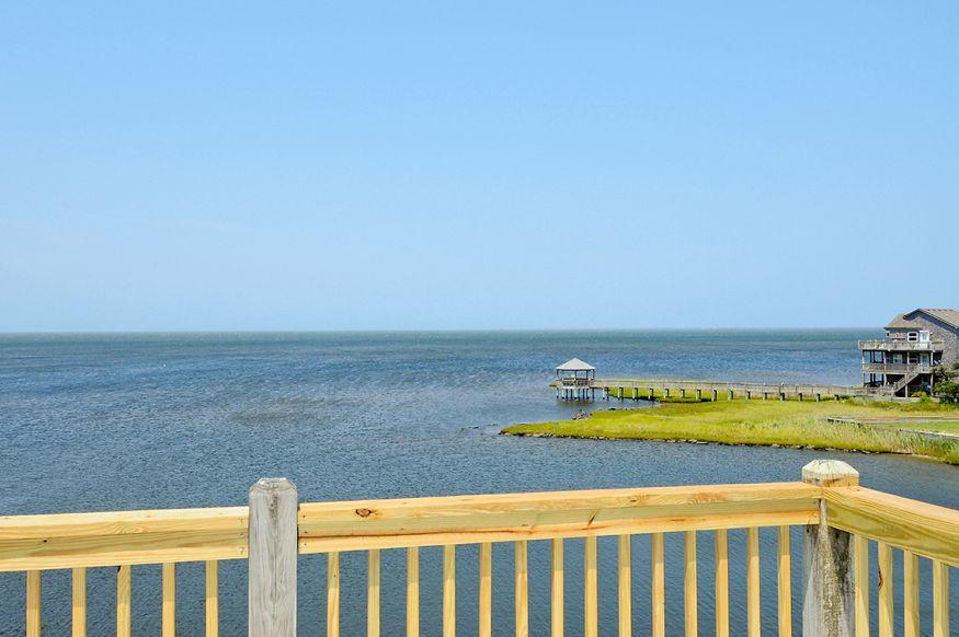 BB136 Sandy Shores